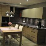 Meble kuchenne - drewno i grafit