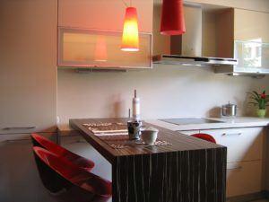 Kuchnia lakier z fornirem zebrano