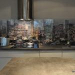 Szklany panel w kuchni