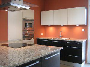 Kuchnia laminat z blatem granit
