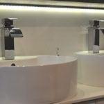 Armatura łazienkowa - łazienka zaprojektowana przez Questaform
