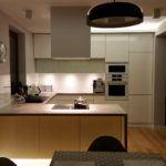 Nowoczesna kuchnia zmeblami zaprojektowanymi przezQuestaform