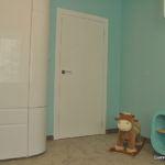 Szafa nawymiar - garderoba wykonana wpokoju dziecięcym